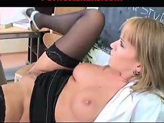 MILF professor fucks her students  - Studente scopa prof milfona