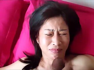 Thai mom gets facial bukkake