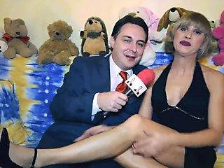 Baby Marilyn si masturba con un w  rstel per Andrea Dipr