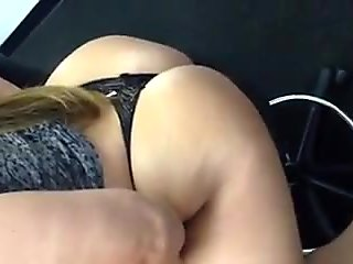 PAWG amateur Italia FFF shows off her 40inch plus big ass