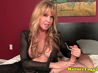 Mature tugging and she loves to talk naughty