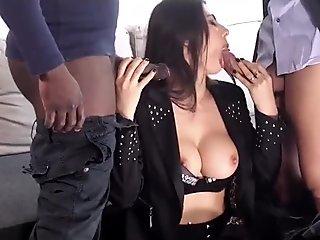 due cazzi grossi per la sexy e bellissima Sofia Gucci