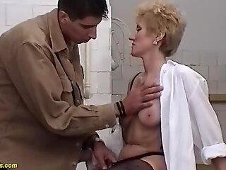 skinny moms bush fucked by her toyboy