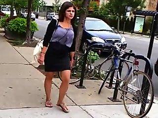 Fine ass chick bouncing down street!