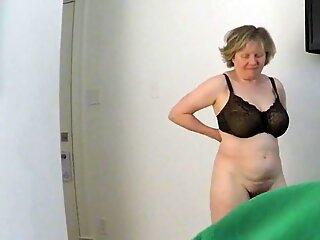 Mature hottie MarieRocks gets licked and slurped to orgasm
