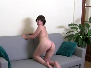 Live show of petite italian chick