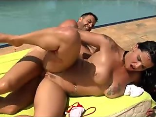 Bigtit Italian babe goes for a swim and gets slammed by the pool