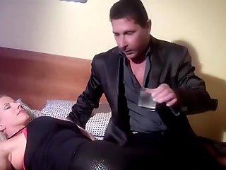 venduta e inculata. porno italiano. guarda su xtime.tv