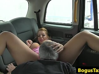 Bigbooty milf rides cabbies fat cock