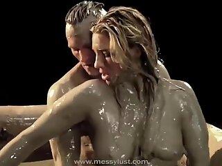 Hot sex in mudpool