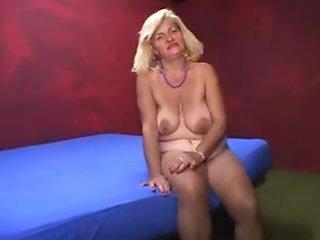 incredible italian older, I love her abdomen!
