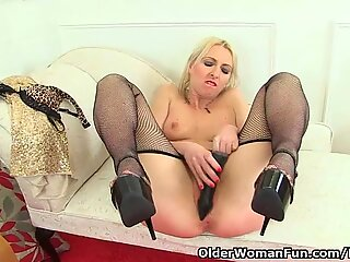 English milf Tracey Lain looks stunning in fishnet tights