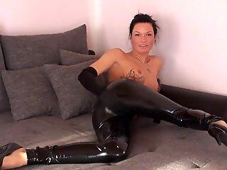 Auf den Lack Arsch gespritzt, lady Pvc stretch pants