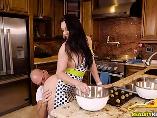 Fondles her sweet ass while baking cookies