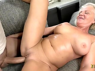 Sexy Granny With Big Tits Fucks With a Big Cock