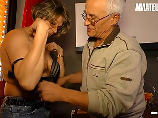 AMATEUR EURO - German Wife Cheating Sex With Neighbour