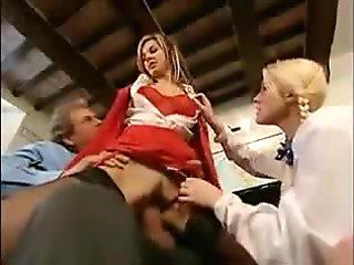 Threesome at italian school , sesso a 3 a scuola