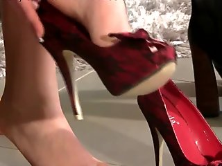 Fetish babe puts heels on