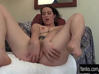 Amateur Muse Toying Her Pussy