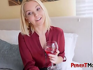 Stressed Aaliyah seduces stepson into stuffing her coochie