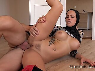 Deepthroat for muslim girl