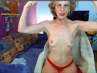Hot granny flexes very sexy biceps on cam