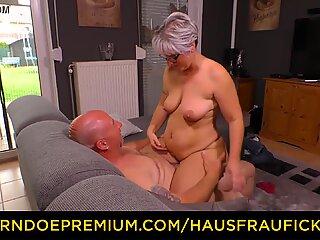 HAUSFRAU FICKEN - Chubby German granny fucks her husband during mature amateur tape