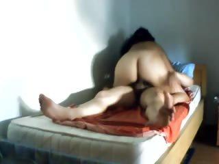 cazzo in figa e dito in culo