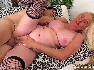 GILF Sara Skippers Enjoys a Long Dick