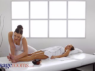 Massage Rooms Big naturals brunette Sofia Lee