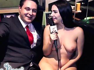 Valentina Nappi nuda sodomizza Andrea Dipr