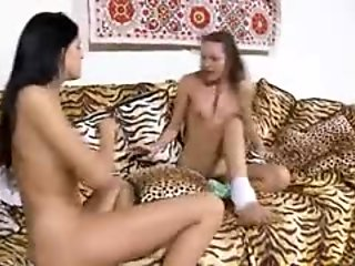 italian wow girls stripping