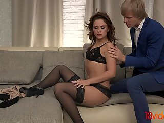 Teen Anal Queen put to the test
