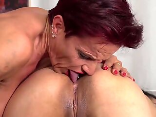 Modern mature mom lick and fuck young daughter