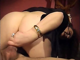 Jessica gives a dirty blow job and she'_s anal fucked