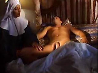 Italian Nun M27