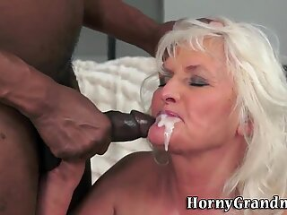 Old lady rides black dong