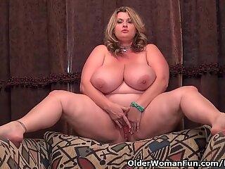 BBW milf Kimmie KaBoom massages her pulsating love button