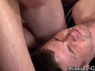 Amateur gets cum bukkaked
