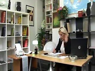 Bionda italiana matura assatanata  Italian Blonde Mature