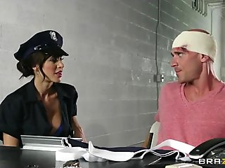 Hardcore rough cop bribes her victim with pussy
