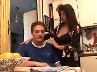 Mature Italian Women (Mamma Che Fai - scene 3)