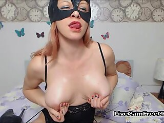 Horny Cougar Cat Woman Had a Shaking Orgasm From a Toy