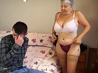 Aged Love Old lady Savana fucked by student Sam Bourne