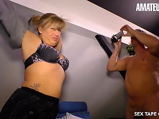 AmateurEuro -Hot Wife Debby Fountain Has Some Sex Fun On Cam